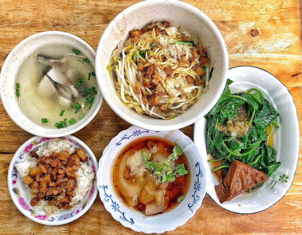 【 台南 ‧ 北區 】隱藏在巷仔內的肉圓便宜又好吃 不只賣肉圓也賣麻糬 一粒只要五元的銅板價