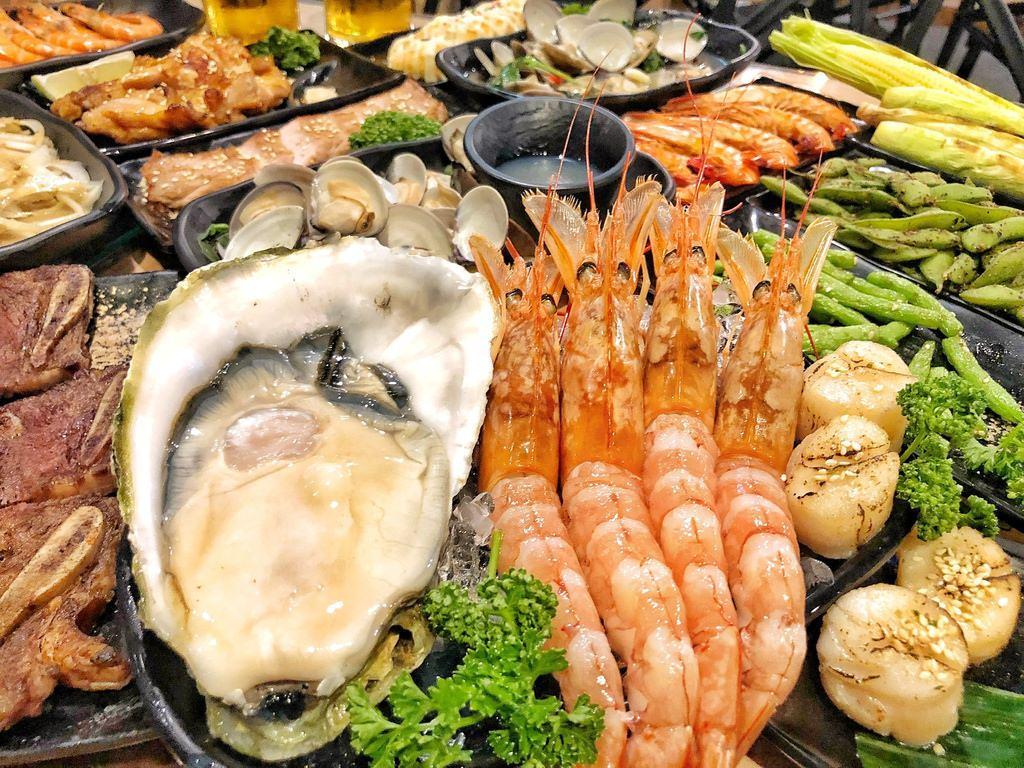 [台南 ‧ 中西區 ] 海神弄局 主打生猛海鮮燒烤再來杯臺虎啤酒好滿足 台南宵夜聚餐的好去處