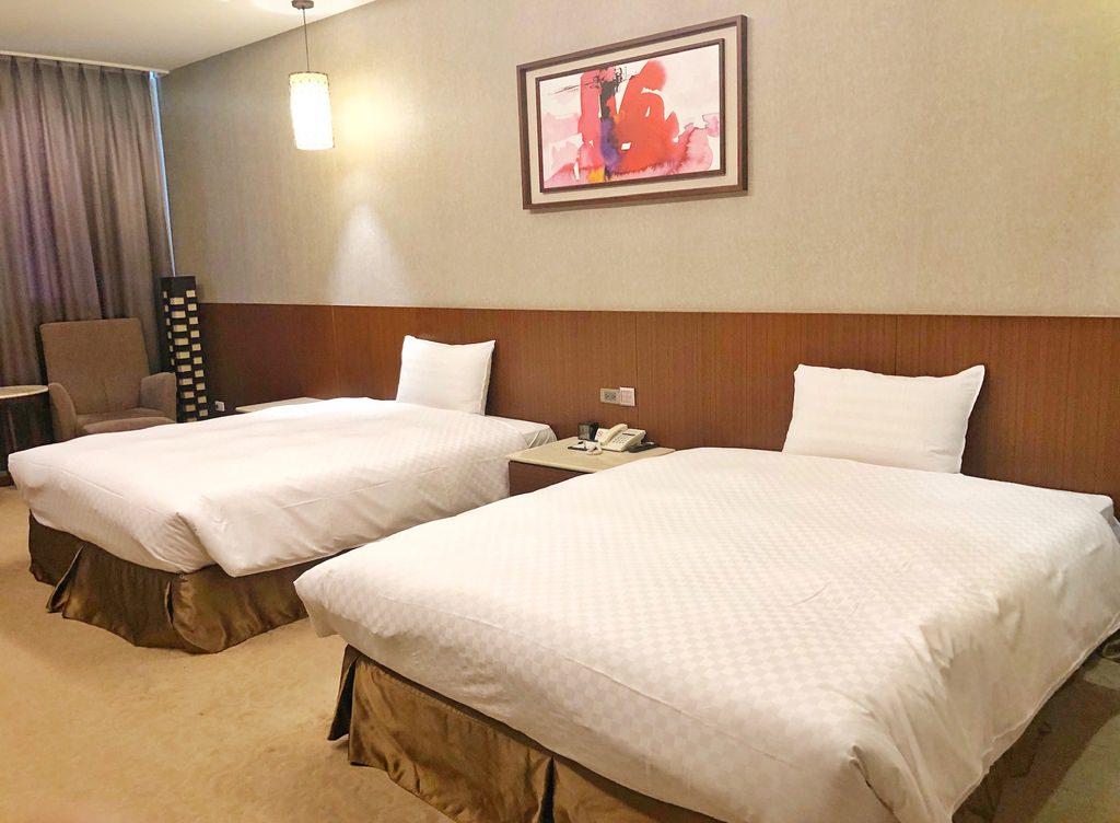 [嘉義 ‧ 西區 ] 嘉義冠閣商務大飯店 近嘉義後火車站 毛小孩也能入住的一泊一食友善飯店